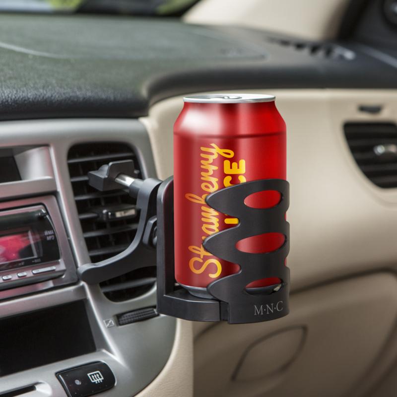 Autós italtartó szellőzőrácsba 001